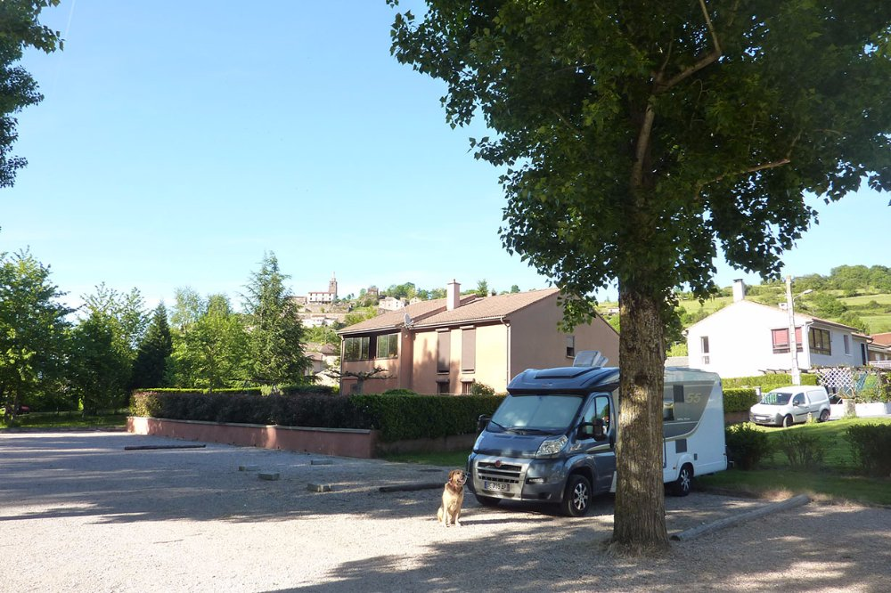 Aire camping-car à CAMARES (12360) - Photo 1